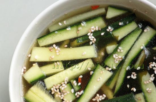 Soupe aux algues et au concombre