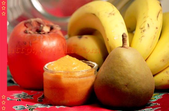 Dessert glacé aux fruits kaki, banane, poire