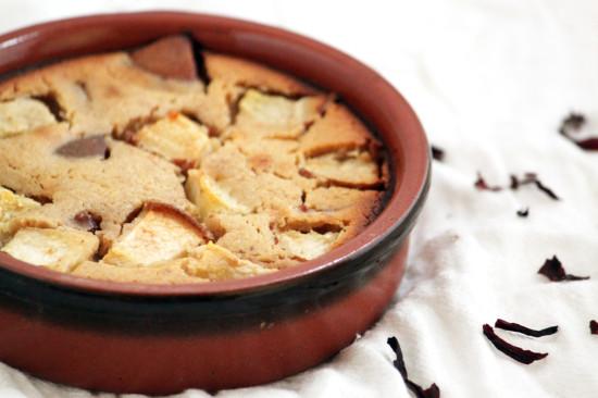 Gâteau végétal sans gluten aux fruits d'hiver