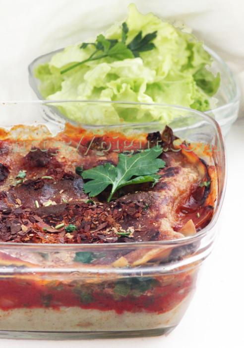 Lasagnes vegans aux épinards et deux sauces
