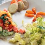 Salade d'Eté Tomate Basilic Fruitée et Ses Mini Blinis Sans Gluten